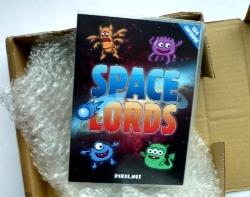 Paket aus England mit Space Lords-Plastikbox